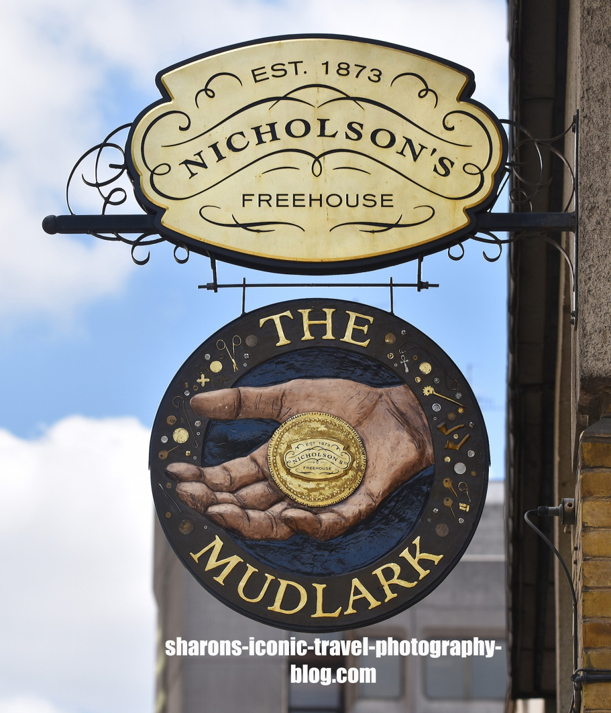 Pub Signs- The Mudlark